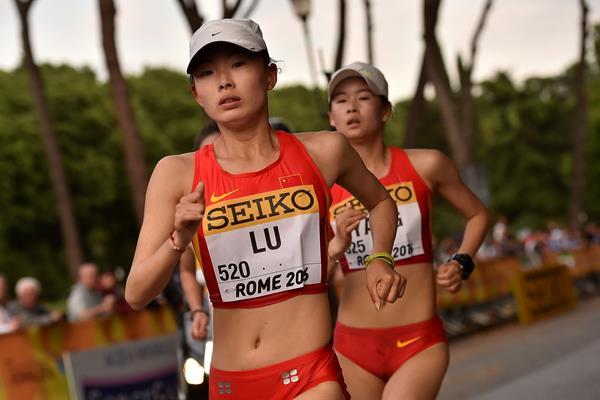 Lu Xiuzhi and Yang Jiayu in the 20km race walk at the IAAF World Race Walking Team Championship Rome 2016 (Getty Images)