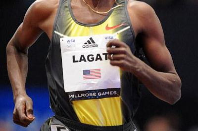 Bernard Lagat en route to sixth career Millrose Games win in 2008 (Kirby Lee)