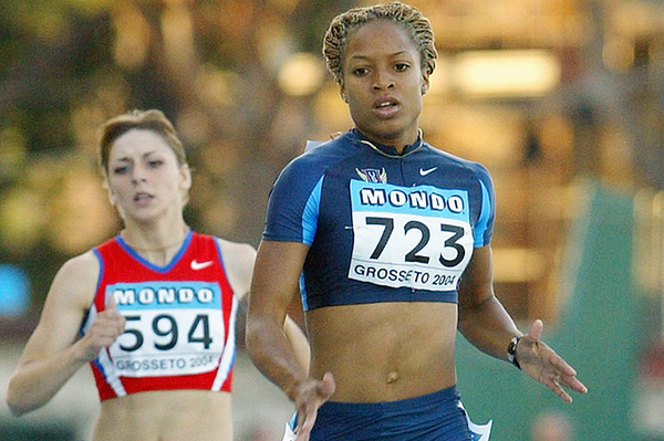 Natasha Hastings on her way to winning the 400m at the 2004 IAAF World Junior Championships in Grosseto (Getty Images)