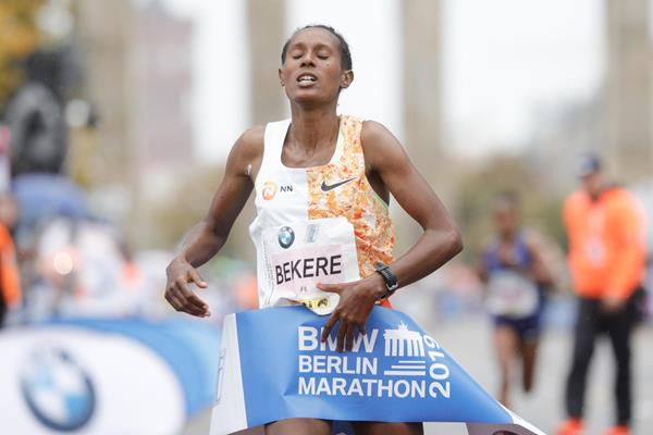 Ashete Bekere taking the Berlin Marathon title (Organisers)