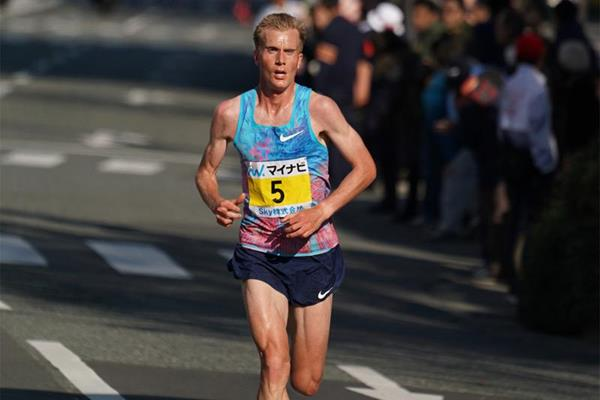 Sondre Nordstad Moen on his way to winning the Fukuoka Marathon (Agence SHOT)