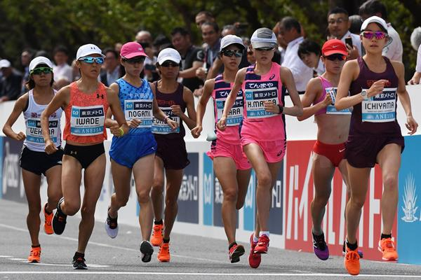 Honami Maeda (centre) in action at the Marathon Grand Championship (AFP / Getty Images)