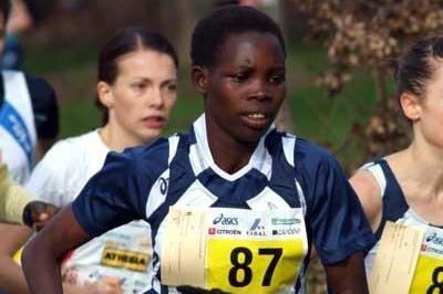 Uganda's Dorcus Inzikuru running in Modena (Lorenzo Sampaolo)