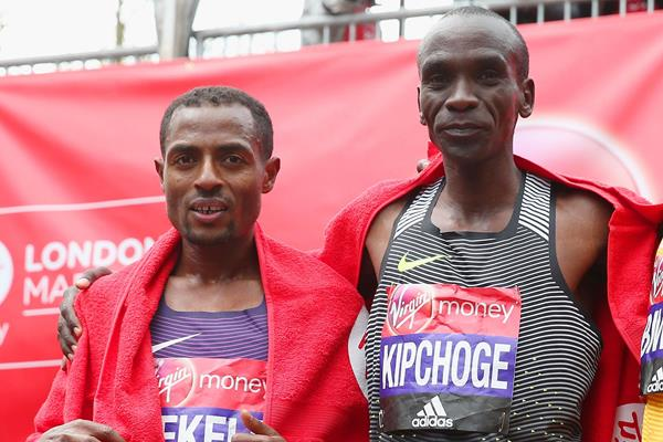 Eluid Kipchoge and Kenenisa Bekele after the London Marathon (Getty Images)