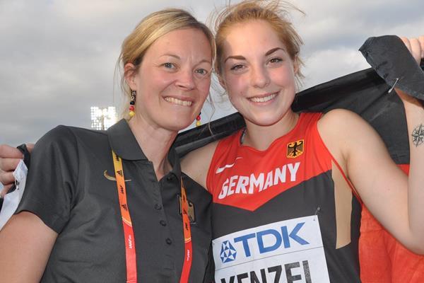 Silke Bernhart celebrating with world U20 shot put champion Alina Kenzel in Bydgoszcz (Olaf Brockmann)