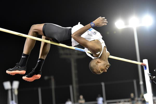 Mutaz Barshim tops 2.40m in the high jump at the IAAF Diamond League meeting in Doha (Hasse Sjogren)
