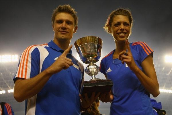 Europe Team Captains Andreas Thorkildsen and Blanka Vlasic with the IAAF / VTB Bank Continental Cup (Getty Images)