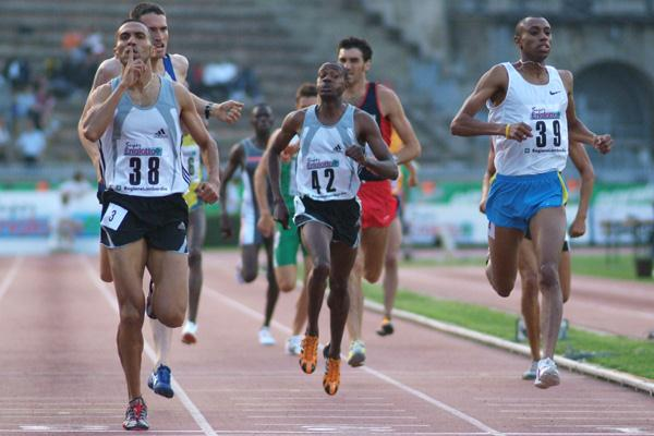 Mouhssin Chehibi of Morocco takes the 800m at the Milan GP (Lorenzo Sampaolo)