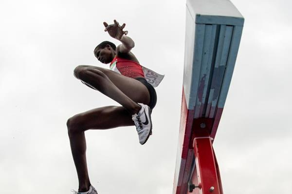 Fancy Cherono of Kenya in action in the girl's 2000m steeplechase in Buenos Aires (Joel Marklund for OIS/IOC)
