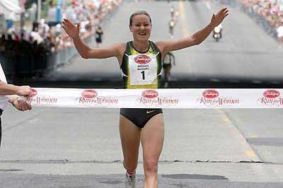 Benita Johnson wins Freihofer's Run for Women 5K (c)