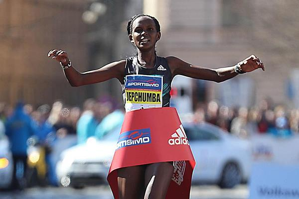 Violah Jepchumba crosses the line to win the Prague Half Marathon (Giancarlo Colombo / organisers)