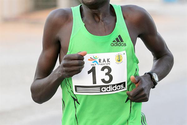 Dennis Kipruto Koech on his way to winning the 2012 RAK Half Marathon  (Victah Sailer)