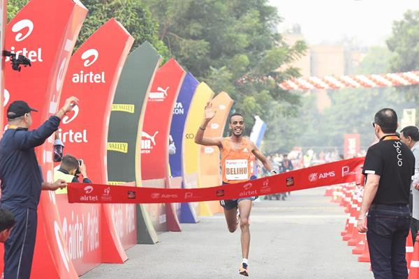 Ethiopia's Andamlak Bellhu winning the Airtel Delhi Half Marathon 2018 (Procam International/organisers)