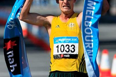 Nathan Deakes after completing his double Commonwealth race Walk double - Melbourne 2006 (Getty Images)