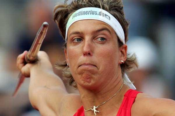 Steffi Nerius prepares to throw the Javelin - German Champs (Bongarts/Getty Images)