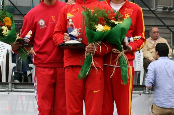 La Coruna men's podium: runner-up Miguel Angel Lopez (ESP), winner Li Jianbo (CHN) and third place finisher Yu Wei (CHN) (La Coruna organisers)