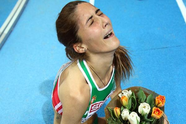 Sara Moreira in disbelief after winning the European indoor 3000m title (Getty Images)