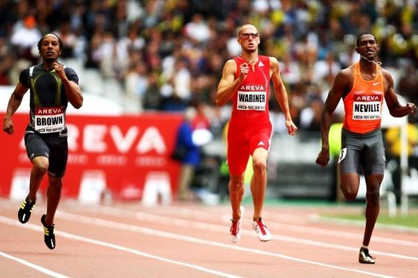 Jeremy Wariner takes a narrow victory in the 400m, running outside 45 seconds (Getty Images)