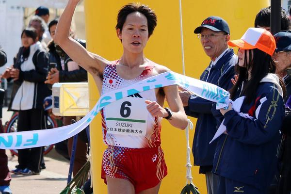 Yusuke Suzuki breaking the 20km race walk world record in Nomi (Rikkyo / Getsuriku)