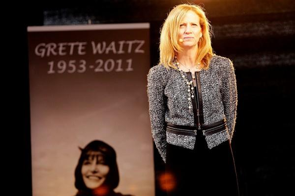 New York Road Runners' President and CEO Mary Wittenberg at a ceremony honouring Grete Waitz at Oslo's Bislett Stadium (Organisers)