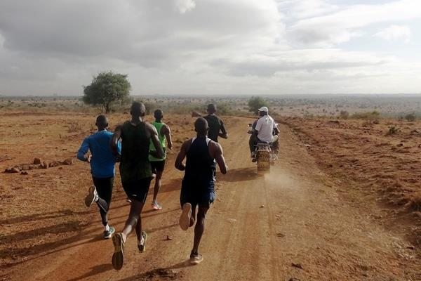 Rongai Athletics Club during a training run at Nairobi National Park (Malcolm Anderson)