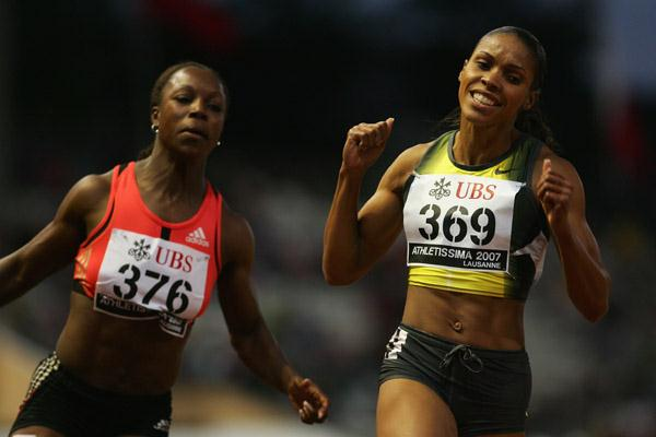 Torri Edwards over Veronica Campbell in 11.00 to the Jamaican's 11.07 in Lausanne (Getty Images)