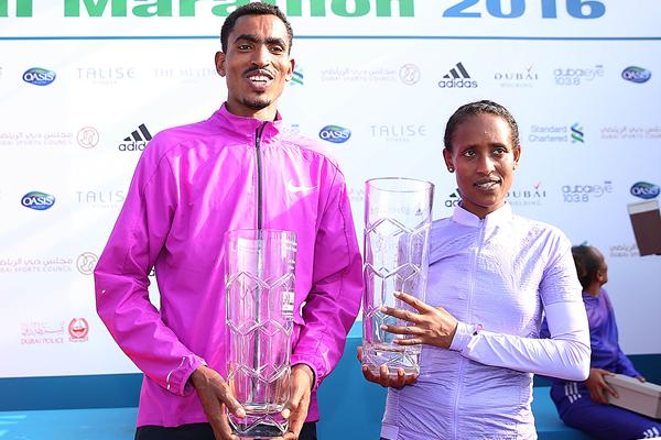 Dubai Marathon winners Tesfaye Abera and Tirfi Tsegaye (Giancarlo Colombo)