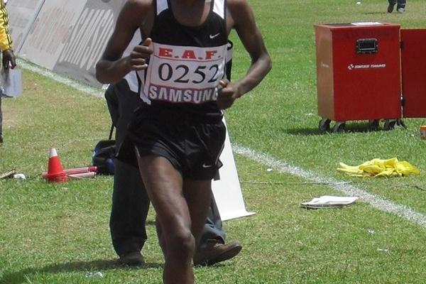 Abera Kuma en route to the Ethiopian 5000m title in Addis Ababa (Bizuayehu Wagaw)