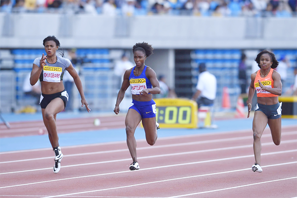 Tianna Bartoletta (centre) winning the 100m at the 2016 IAAF World Challenge meeting in Kawasaki (Getty Images)