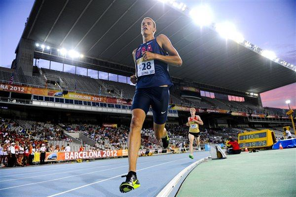 Gunnar Nixon of United States competes for winning the gold medal during the Men's 1500 metres portion of the Decathlon event on the day two of the 14th IAAF World Junior Championships on July 11, 2012 (Getty Images)