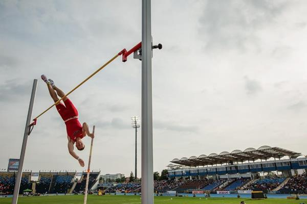 Deakin Volz in the pole vault at the IAAF World U20 Championships Bydgoszcz 2016 (Getty Images)
