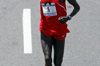 Robert Cheruiyot sailing to Boston Marathon victory No. 4 (Getty Images)