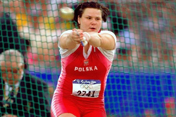 Kamila Skolimowska in action in the hammer at the Sydney 2000 Olympic Games (Getty Images)