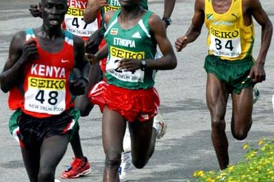 Paul Kirui leads the pack (Prakash Singh (AFP) for the IAAF)