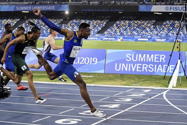 Paulo Andre Camilo of Brazil takes the WUG 100m title in Naples (Organisers)