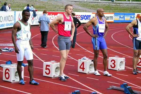 Frank Fredericks (NAM) lines up for the 100m in Lahti (Sonninen)