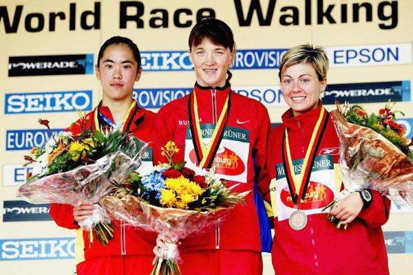 Jing Jiang (CHN), Yelena Nikolayeva (RUS) and Maria Vasco (ESP) on Naumburg 20km podium (Getty Images)