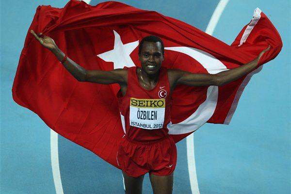 Ilham Tanui Özbilen of Turkey celebrates his silver medal in the 1500m Istanbul (Getty Images)