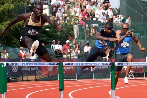 400m Hurdles winner Bershawn Jackson (c), runner-up Kerron Clement (l) and third place finisher Angelo Taylor (r) (Getty Images)