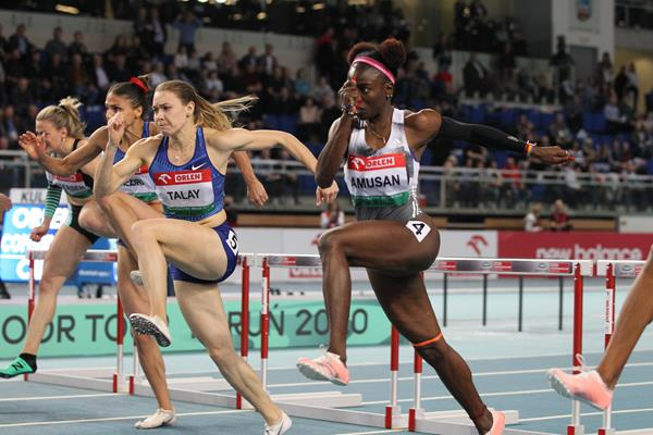 Alina Talay (l) en route to victory in Torun  (Jean Pierre Durand)