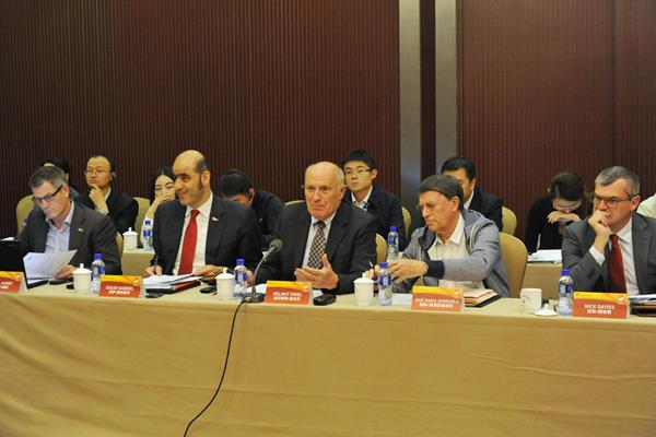 Helmut Digel (centre) and Jose Maria Odriozola (second from right) at the IAAF Coordination Commission's visit to Beijing (Organisers)