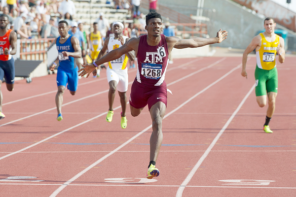Fred Kerley wins the 400m at the NCAA West Preliminary Championships (Shawn Price / Texas A&M University)