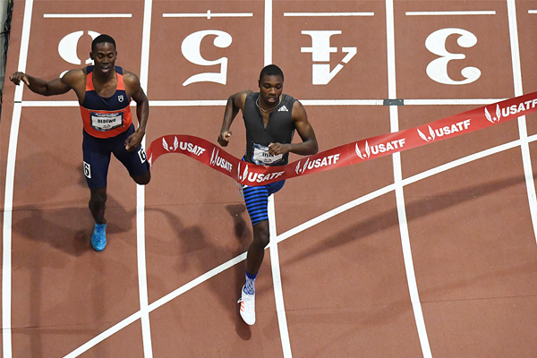 Noah Lyles setting a 300m world indoor best in Albuquerque (Kirby Lee)