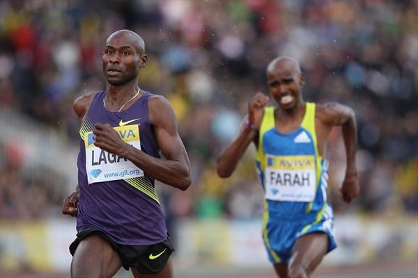 Bernard Lagat holds off Mo Farah in the London 3000m (Getty Images)