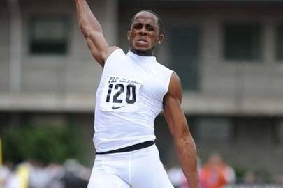 Dwight Phillips flies to 8.74m at the 2009 Prefontaine Classic (Kirby Lee)