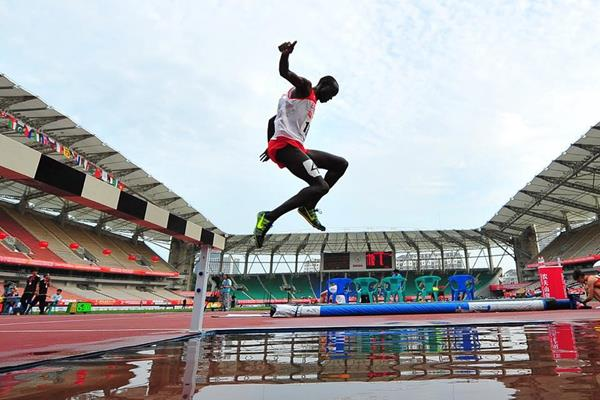 John Koech in the 3000m steeplechase at the 2015 Asian Championships (Asian Championships LOC / AAA)