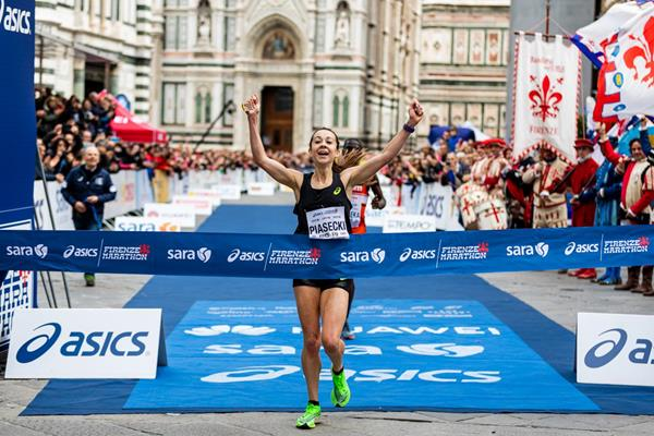 Jessica Piasecki wins the Florence Marathon (Organisers)