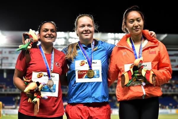 Girls' hammer throw podium at the IAAF World Youth Championships, Cali 2015 (Getty Images)