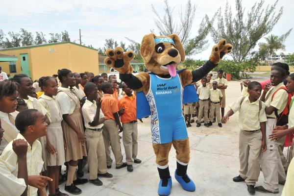 Bingo the potcake dog unveiled as mascot for the IAAF/BTC World Relays, Bahamas 2015 (IAAF/BTC World Relays, Bahamas 2015 LOC)