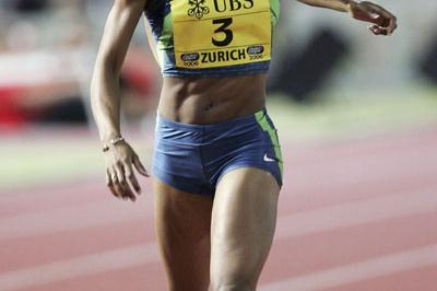 Sanya Richards defends in Zurich (Getty Images)
